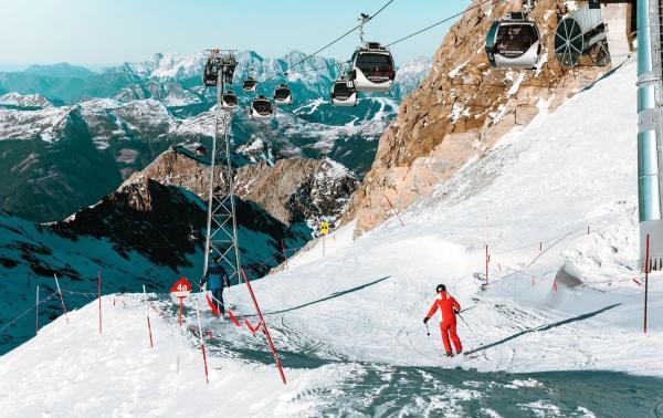 5 najważniejszych cech dobrej kurtki narciarskiej