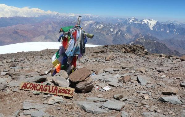 Aconcagua – najwyższy szczyt obu Ameryk. Czy warto wyruszyć na wyprawę i zdobyć szczyt And?