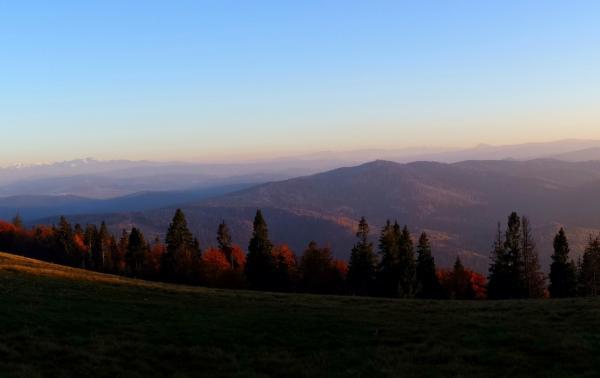 Beskid Żywiecki – najważniejsze informacje: szlaki, atrakcje, noclegi. Czy warto odwiedzić Żywiecki Beskid z rodziną?