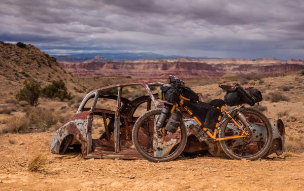 Bikepacking – co to jest i dlaczego turystyka rowerowa jest coraz popularniejsza w naszym kraju?