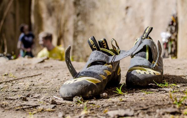 Jak wybrać odpowiednie buty wspinaczkowe? 5 praktycznych porad dotyczących wyboru