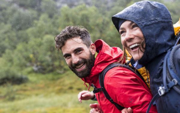 Jak się ubrać w góry jesienią? – bo najgorszy jest wiatr i deszcz