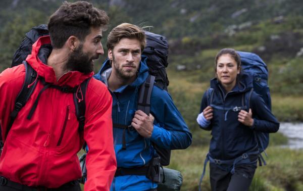 Czy hardshell w górach jest potrzebny? Jak wybrać wiatroszczelną i wodoodporną kurtkę na górskie wędrówki