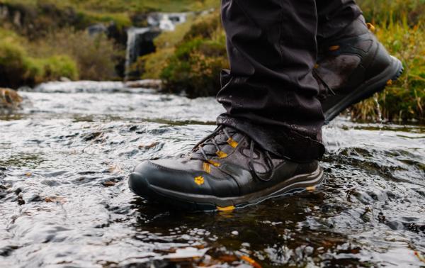 Jakie buty nieprzemakalne będą najlepszym wyborem? Na czym polega nieprzemakalność obuwia?