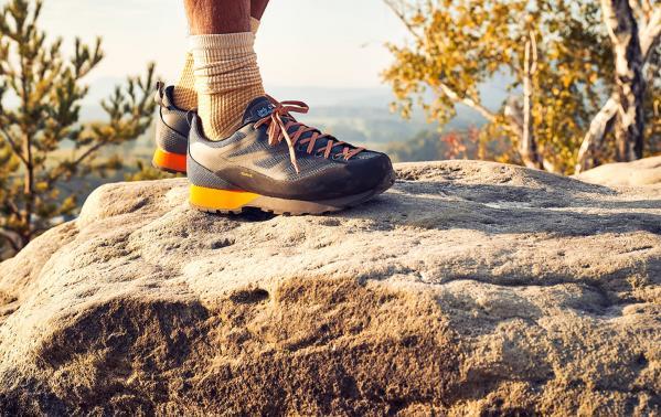 Do czego służą buty podejściowe? Radzimy, jak wybrać właściwy model