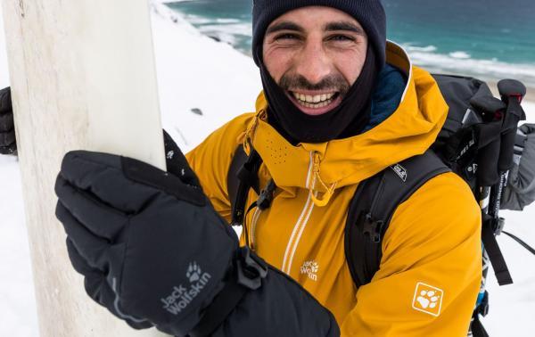 Rękawiczki zimowe, które sprawdzą się na szlaku w mroźne dni. Jakie rękawiczki wybrać w góry, a jakie do sportów zimowych?