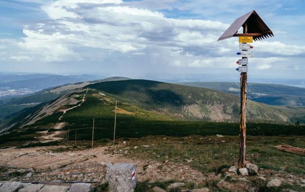 Najciekawsze trasy turystyczne w Polsce: Top 10 średniodystansowych szlaków turystycznych