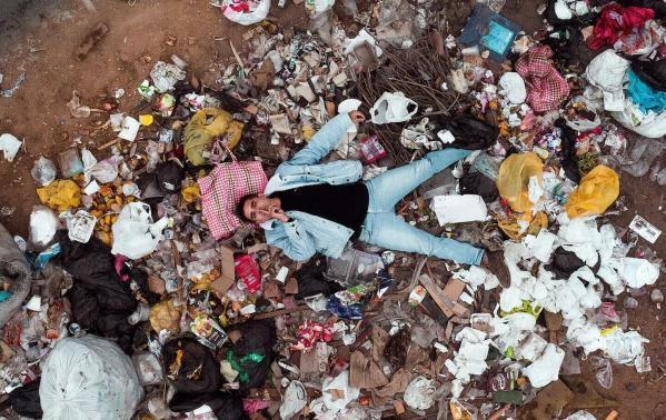 """Musimy przestać śmiecić, bo odpadów w morzach będzie tylko więcej – wywiad z prezesem """"SEAQUAL INITIATIVE"""" Michelem Chtepą"""